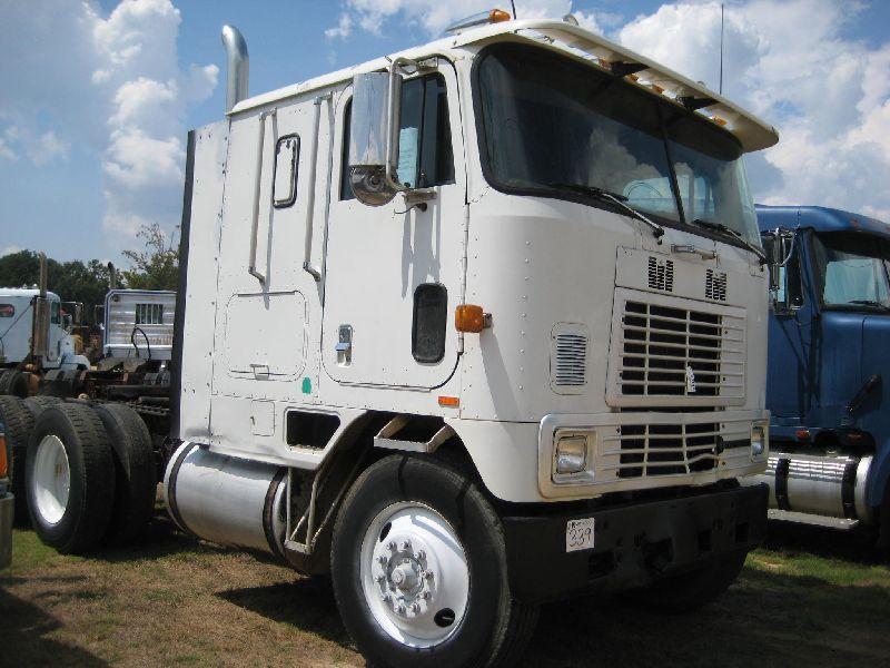 1994 INTERNATIONAL 9600 T/A TRUCK TRACTOR, S/N 1HSRDBAR5RH590304, CUMMINS  L10 DIESEL ENG, 9 SPD TRAN