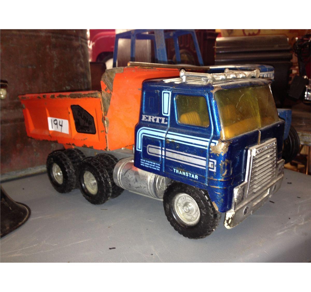 Ertl International Transtar Automatic Dump Truck 0174