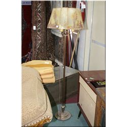 Vintage cast base tri-light with painted shade