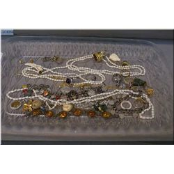 Selection of jewellery including sterling silver bracelet, necklaces, rings etc.
