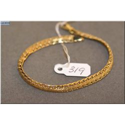 10kt yellow gold bracelet with lobster clasp