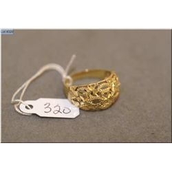 14kt yellow gold pierced design ring
