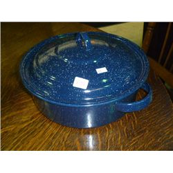 Round Enamelware Pot w/Lid