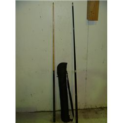 2 Pool Cues w/Replacement Tips, Chalk & Carrying Case