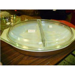 Pyrex 11/2 Quart Divided Dish