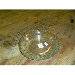 Set of 4 Pyrex 6 in Pie Plates