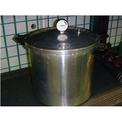 Presto Deluxe Pressure Cooker/Canner
