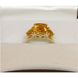 Ladies ring, cushion cut citrine, 14 kt. Yellow gold setting