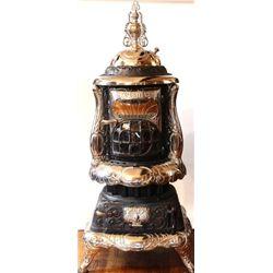 Beautifully restored Novel Universal parlor stove