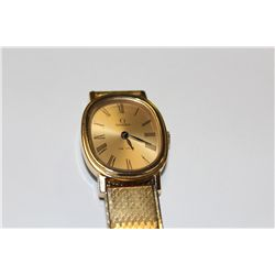 LADIES YELLOW GOLD PLATED OMEGA DE VILLE WRIST WATCH, CHAMPAGNE DIAL