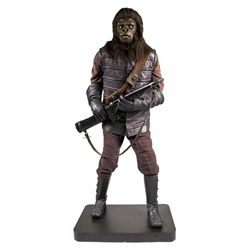 Planet of the Apes Hero Gorilla Soldier Mannequin Display