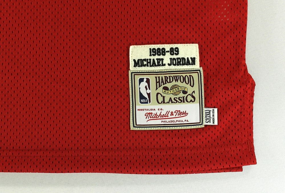 b62295935e6cfd ... Image 4   Michael Jordan Signed Bulls Authentic Mitchell   Ness 1988-89  Jersey ...