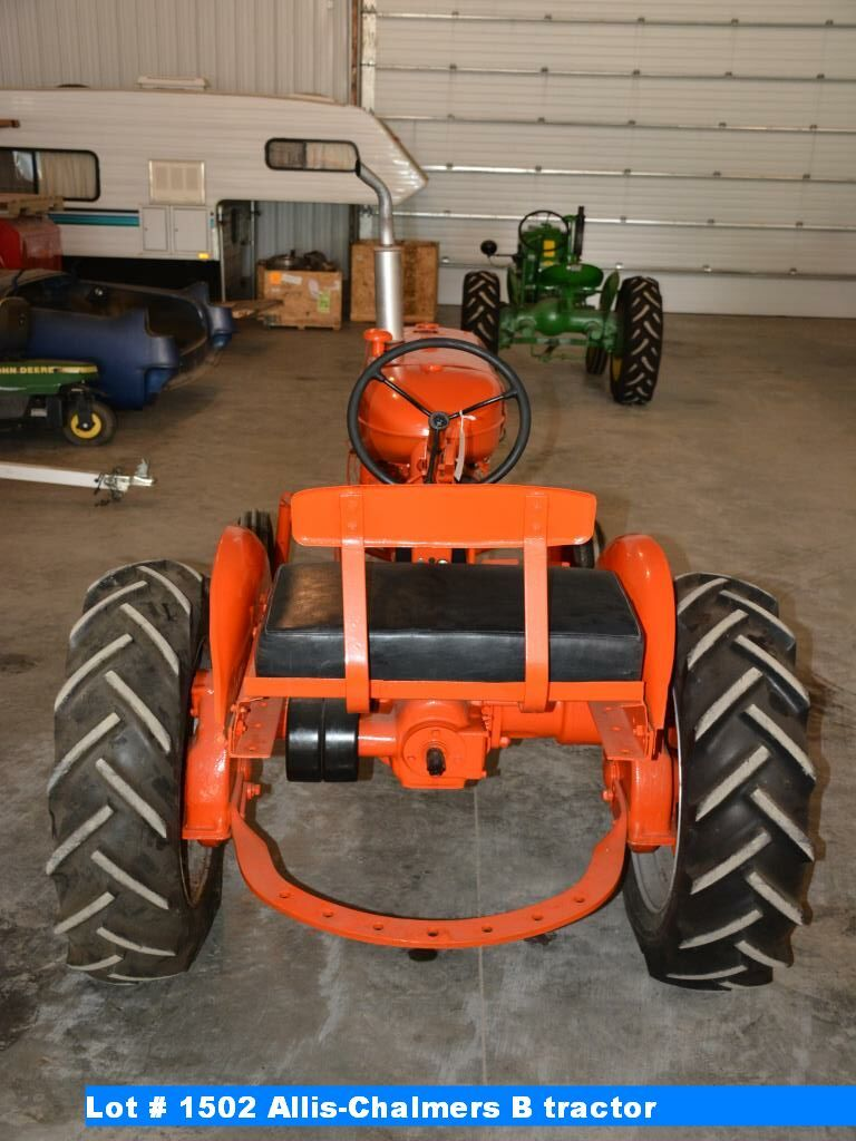 Allis-Chalmers B tractor (block AM-2916-10)