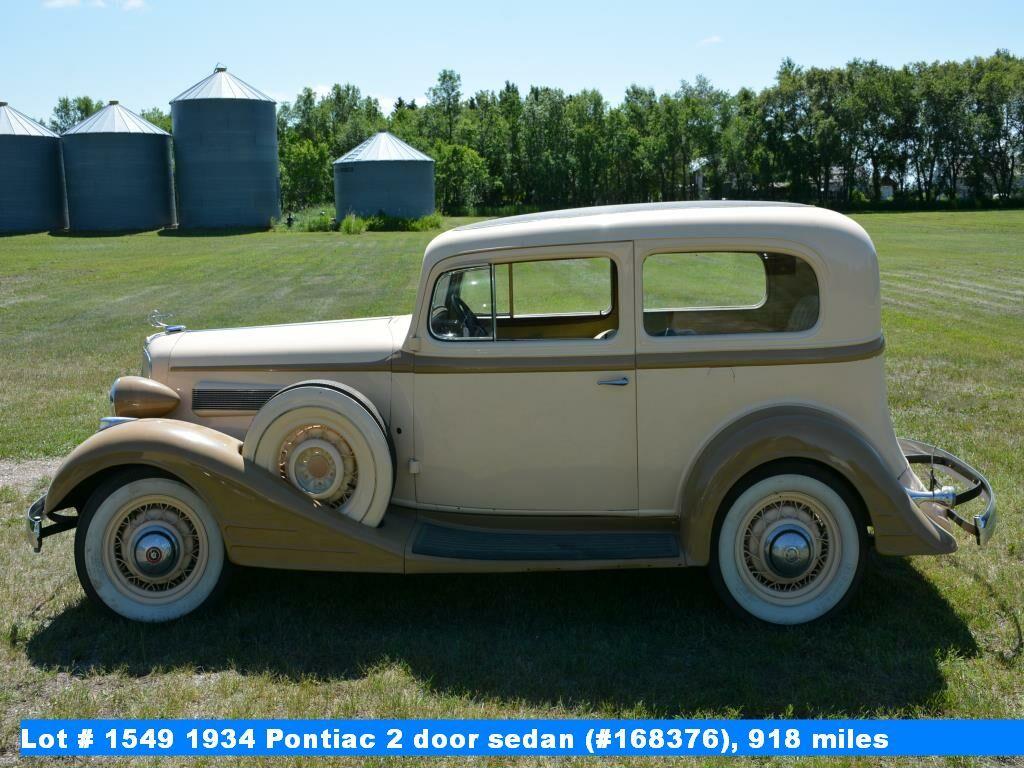 1934 Pontiac 2 door sedan (#168376), 918 miles