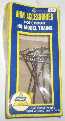 VINTAGE TRAIN HO SCALE BOX OF 12 *TELEPHONE POLES* AHM HO *PLASTICVILLE  USA* ITEM # 5610 COMES IN OR
