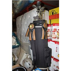 GOLF BAG WITH CADDY AND CLUBS