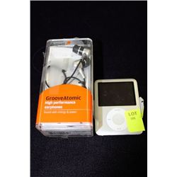 APPLE VIDEO IPOD NANO W/ HEADPHONES & CHARGER