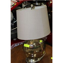 SHOWHOME GLASS LAMP