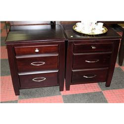 SHOWHOME PAIR OF 3 DRAWER NIGHT STANDS