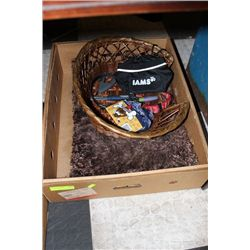 BOX OF PET BEDS AND ACCESORIES