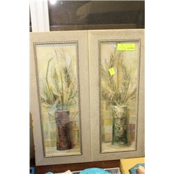 SET OF 2 WALL HANGING PICTURES