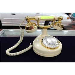 VINTAGE BAKELITE PHONE