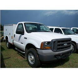 2005 Ford F250 UTILITY TRUCK, DIESEL ENGINE, 4X4 Ser#:1FDSF21PX5EA93050 Odm#:163952