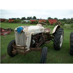Ford 600 TRACTOR Ser#:2438