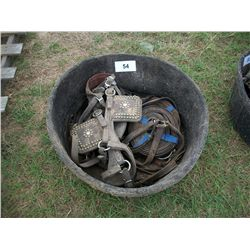 (1)LOT MISC HORSE HARNESS