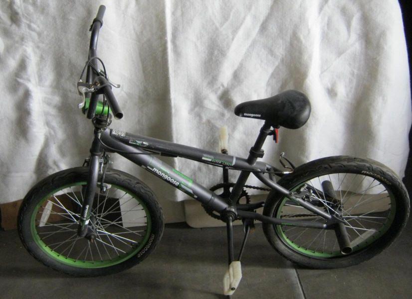 BMX-Mongoose Bike Mongoose BMX Bike - Black/Green No1724 PPD 62985