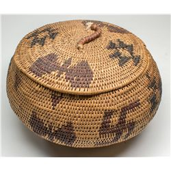 Native American basket with lid: Washoe