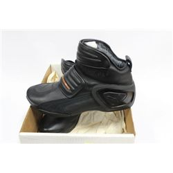 NEW MENS SIZE 12 GORTEX SHOES