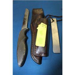 GERBER KNIFE W SHARPENER AND CASE