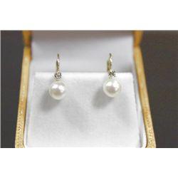 10 KT GOLD AND DIAMOND PEARL EARRINGS