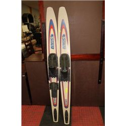 PAIR OF WATER SKI'S