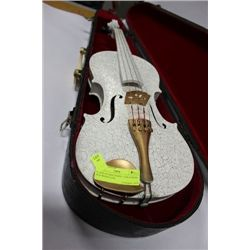 VIOLIN 4/4 SIZE WHITE / GOLD WITH OLD WOOD CASE