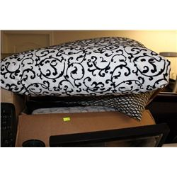BOX OF SHOWHOME PILLOWS