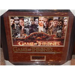 GAME OF THRONES - LARGE PRINT SIGNED BY CAST MEMBERS