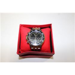 MENS STAINLESS STEEL WATCH ON CHOICE TO LOT 105