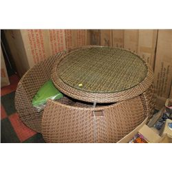 RATTAN STYLE ROUND PATIO TABLE W/4 NESTING CHAIRS