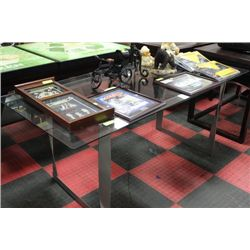 SHOWHOME GLASS TOP TABLE