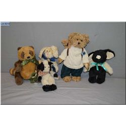 A selection of Bearington Collection and Boyds collectible plush toys including teddy bears, rabbit,