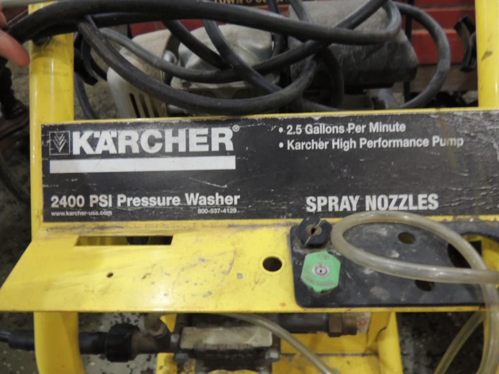 KARCHER 2400 PSI PRESSURE WASHER