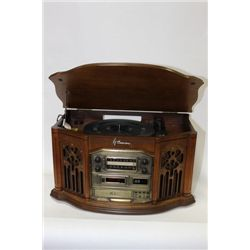 EMERSON NOSTALIGIA RADIO WITH RECORD PLAYER