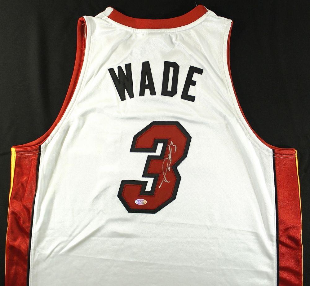 pretty nice a0ebe aed61 Dwyane Wade Signed Miami Heat Jersey (Wade COA)
