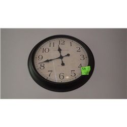 1 LARGE WALL CLOCK