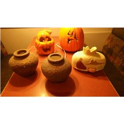 3 VASES AND TWO ELECTRIC PUMPKINS