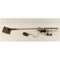 US Military Metal Detector w/Head Phones