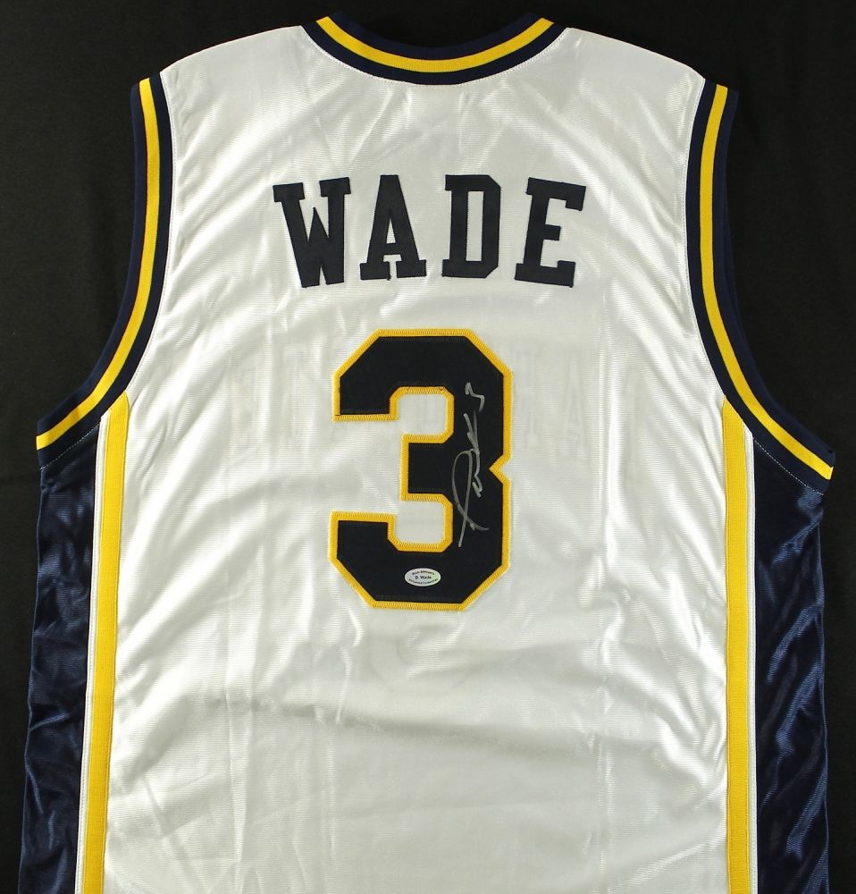 new style b0dc4 e9a80 Dwyane Wade Signed Marquette Jersey (Wade COA)