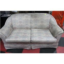 FABRIC LOVESEAT****